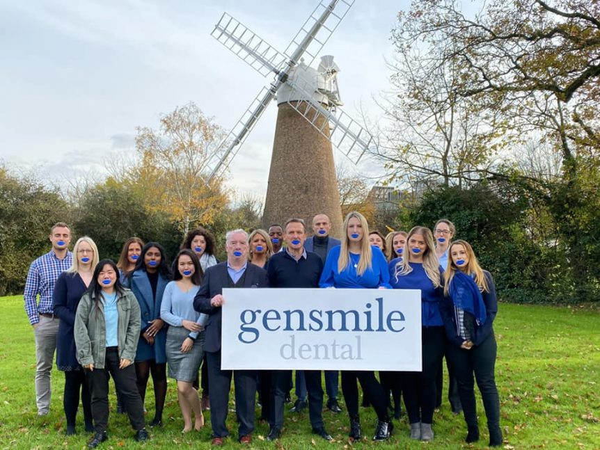 Gensmile team taking part in the #bluelipselfie campaign